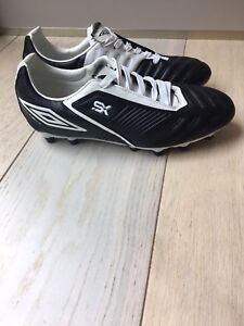 Umbro soccer cleats size 8.5