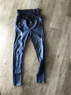 Size 10 skinny jeans maternity ripped
