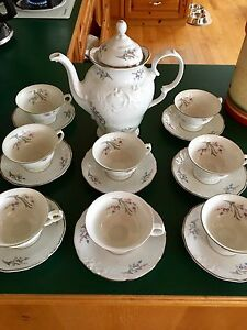 Teapot and 8 cups and saucers made by Walbrzych in Poland