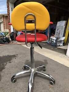 Children's haircut chair