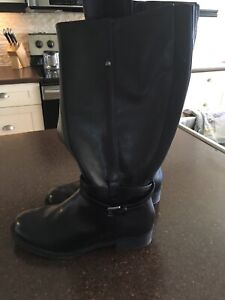 Black boots size 6 wide calf