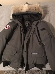 Men's Small Grey Canada Goose Chilliwack Bomber Jacket
