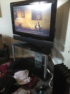 42' TV + TV stand
