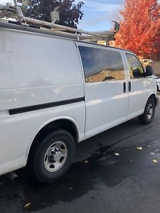 2009 Chevy express 2500 CLEAN! Only 100km