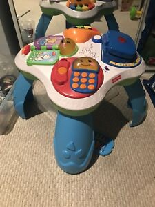 Baby music playing table
