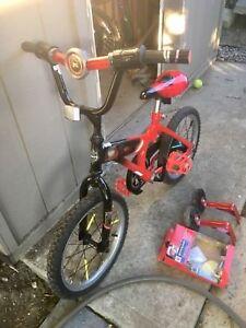 Boys 16-inch Star Wars bike with training wheels