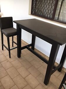 Strong hardly used Bar table and chairs Eden Hill Bassendean Area Preview