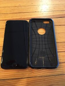iPhone 7-32Gb Factory Unlocked MintW Case (perfect battery)