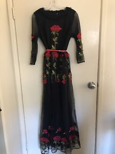 Gorgeous size small black and red maxi formal dress Highgate Hill Brisbane South West Preview