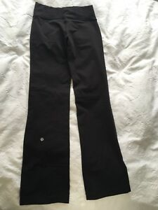 Brand new blk Lululemon yoga pants