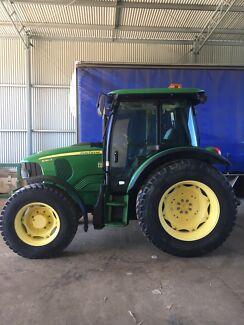 Tractor John deere 5080R premium  4x4