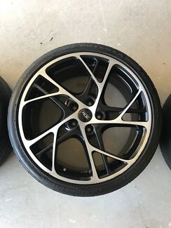 4 x 19 inch rims (and tyres) - Renault Sport Megane 235/35/R19