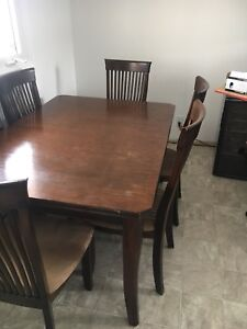 Solid wood kitchen table and 6 chairs