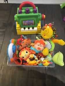 Box of baby toys - 0-12 months