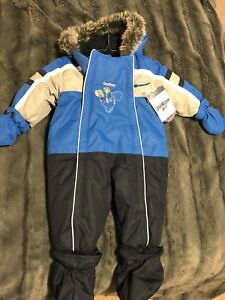 Brand new Oshkosh snowsuit 6-9 months