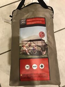 Mesh screen for camping or picnic