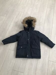 Gap winter coat for boys.  Down filled. Size small.