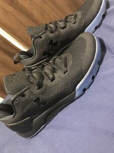 UnderArmour MENS TRAINERS size 10.5