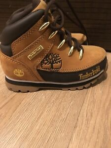 Kids hiker Timberland boots like new condition