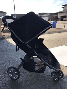 Britax stroller, seat, 2 bases and accessories.