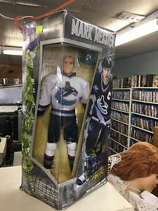 NHL Pro Zone Mark Messier 1998 Collectors Series by Playmates