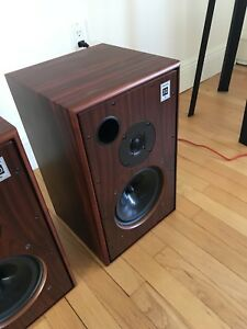 Harbeth m30.1 monitors with boxes in rosewood