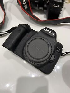 Like new Canon 6D with Accessories - less than 5000 shutters