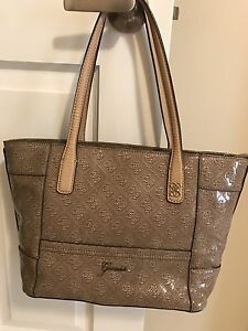 Guess purse/tote