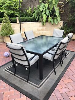Outdoor Dining Table and Chairs - Priced to Sell!