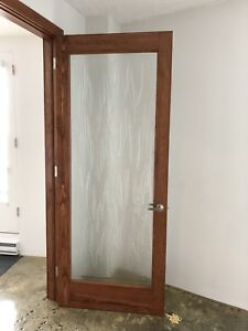 Gorgeous glass door. 7ft 4 in x 3 ft