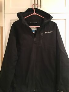 Mens Columbia fall/spring jacket.