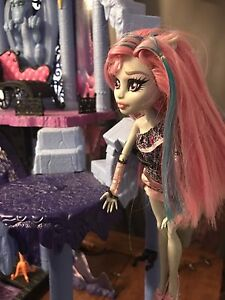 "Monster High Castle ""Freaky Fusion Catacomb"" Peterborough Peterborough Area image 5"