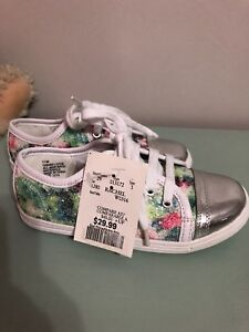 New girls size 11 sneakers