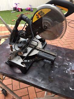 Slide compound mitre1800 watts