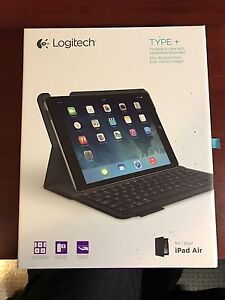 Logitech iPad Keyboard Case for iPad Air 1