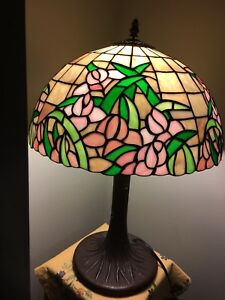 "Brand new 16"" Tiffany inspired lamp"