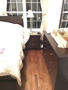 Like new Complete Queen Bedroom Set For Sale