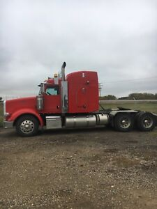 Peterbilt 367 Low Milage Tractor