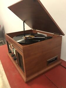 Multi use record player