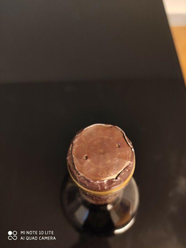 Vino 1983 barolo. Barbera D'alba castello di nieve. Bottiglia collezione.vintage