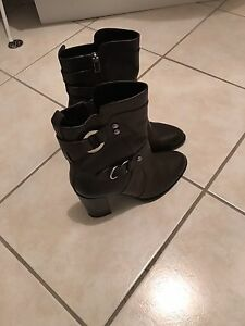 Zara women boots brand new Coorparoo Brisbane South East Preview