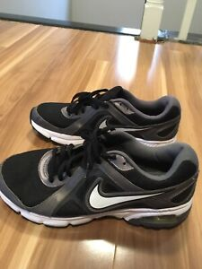 Like new Nike mens running shoes size 10.5