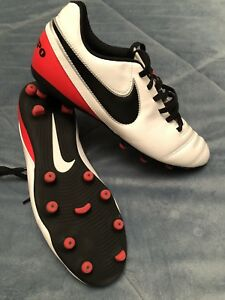 Ladies soccer cleats