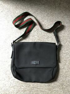 Men's Gucci Techno Canvas Techno Messenger Bag (Authentic)