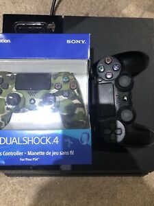 PS4 1TB Bundle( Games + Controllers)
