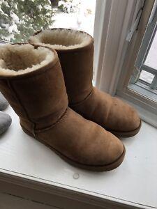 Ugg Size 10 Femmes Chestnut Sheepskin Short