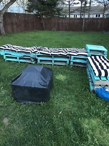 Free pallets and cushions