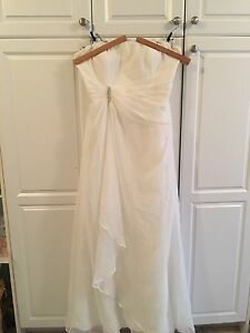 Never worn ivory casual wedding dress