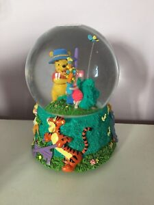 Disney Winnie-the-Pooh musical snow globe