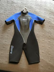 Bare short wet suit (teenager or small adult)